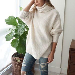 Zara Sweaters - Oversize Cozy Turtleneck